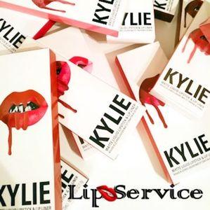 Kylie Cosmetics Makeup - KYLIE JENNER LIP KIT - CANDY K...SOO.HOT